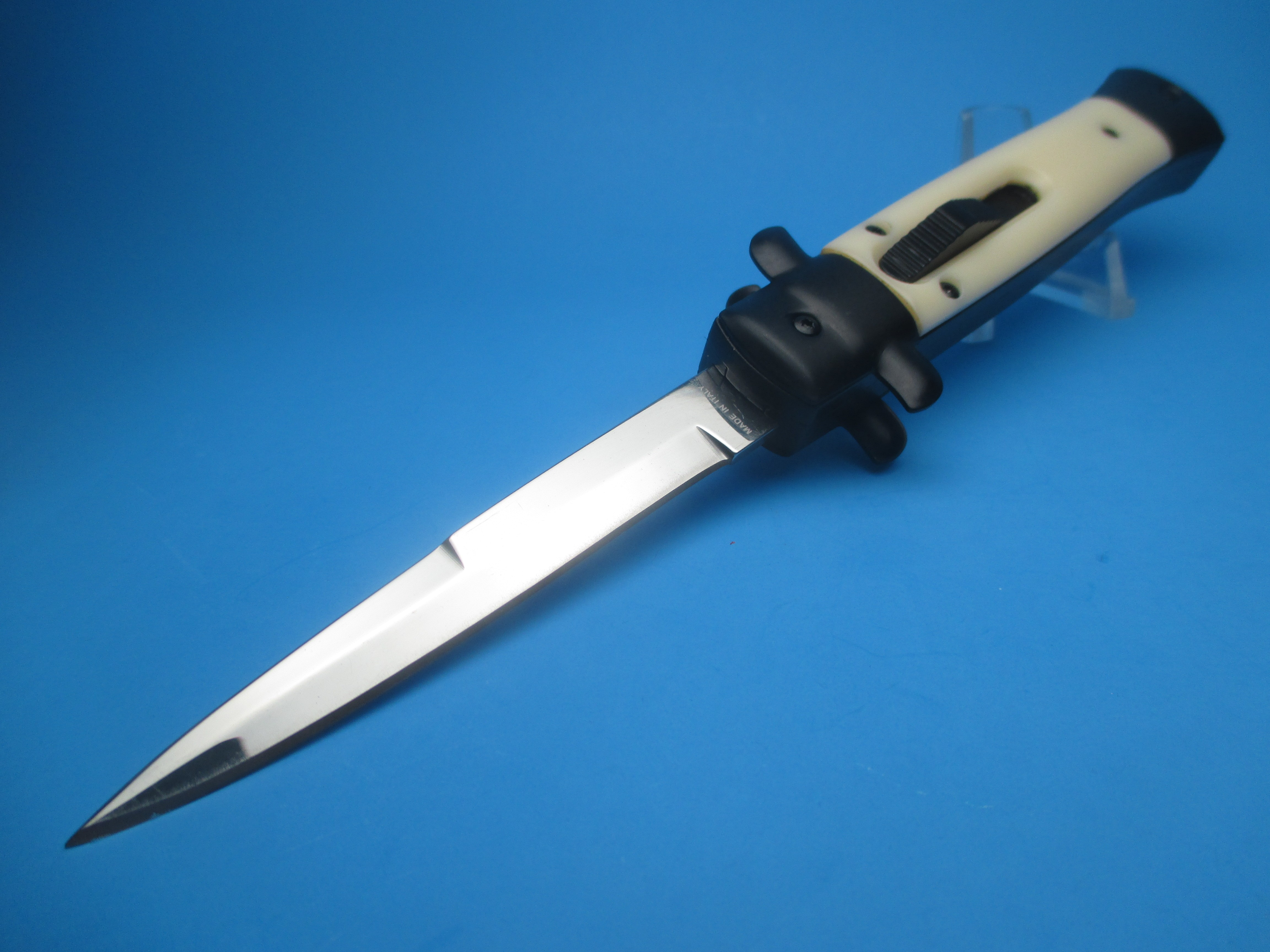 """9'' Tactical Ivory """"Tuxedo"""" Stiletto Style OTF Bayonet"""
