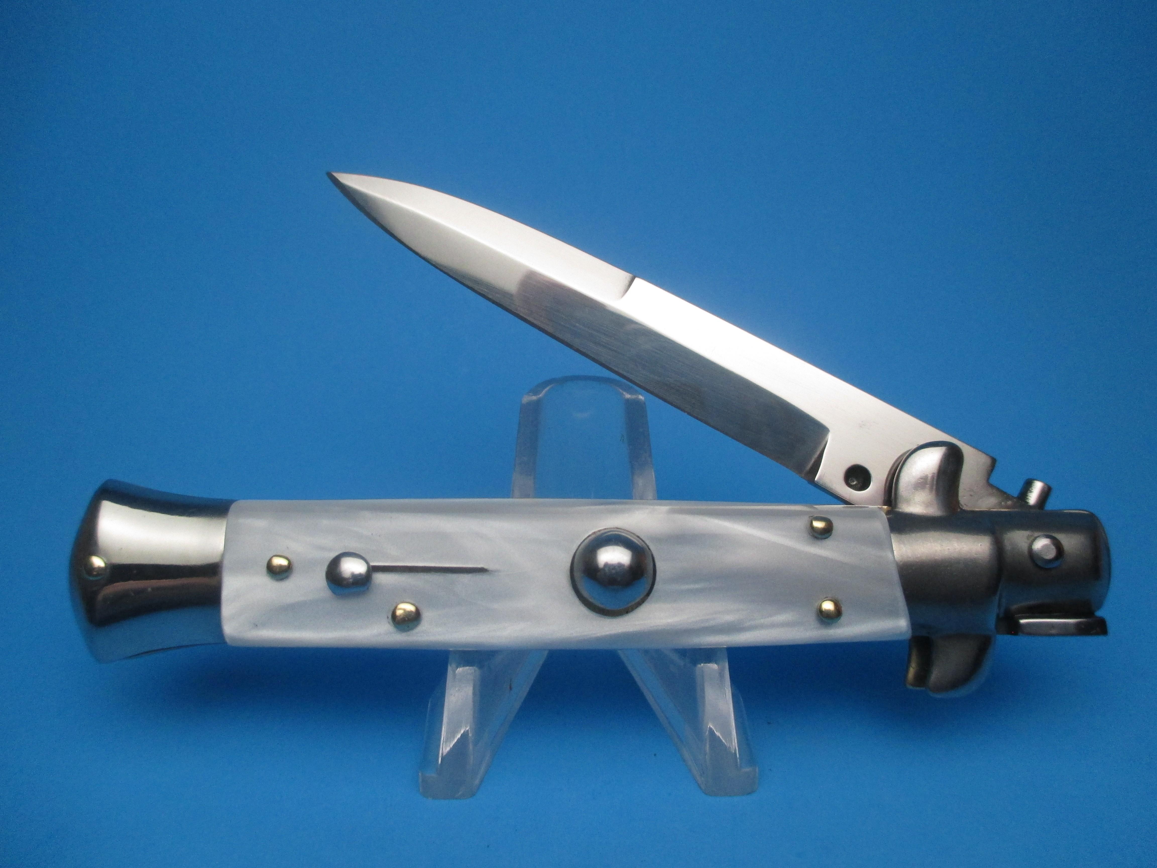 Frank Beltrame 8'' Buffalo Horn Bayonet Switchblade